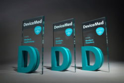 "Bild: DeviceMed Awards der Kategorien ""Applications"", ""Pioneer"" und ""Suppliers"";  © DeviceMed"